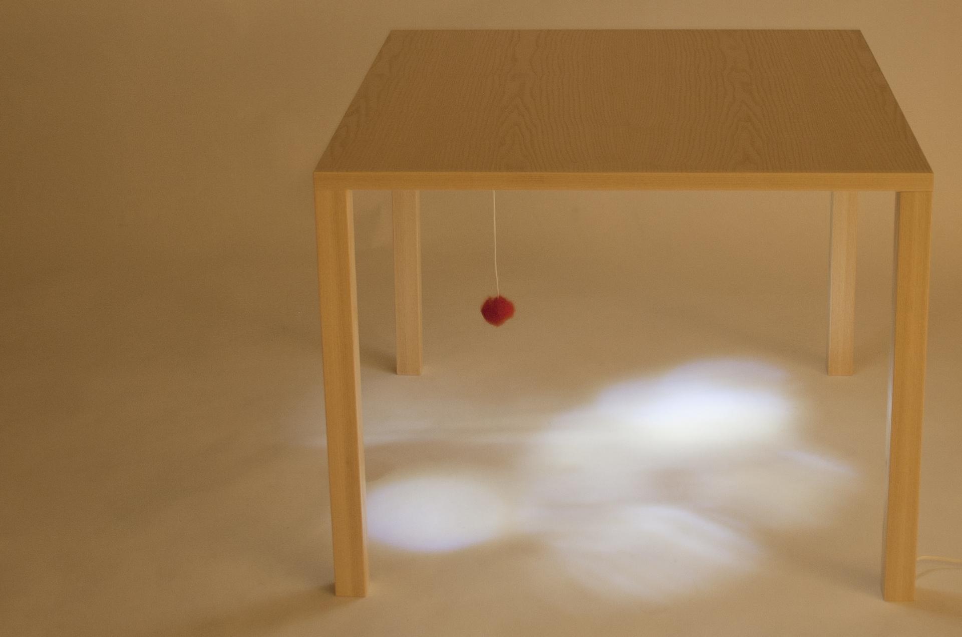 Child´s Table_lighton